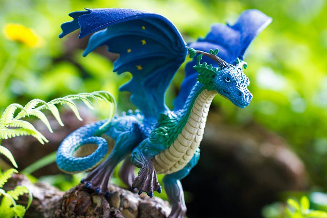 Dragoni și Creaturi mitice